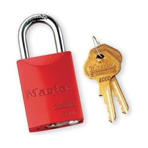 Master Lock 6835RED